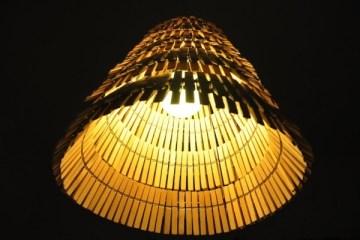 โคมไฟจากไม้หนีบผ้า 4 -
