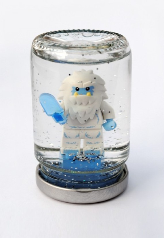 glitter storm DIY.Lego snowglobes for Christmas