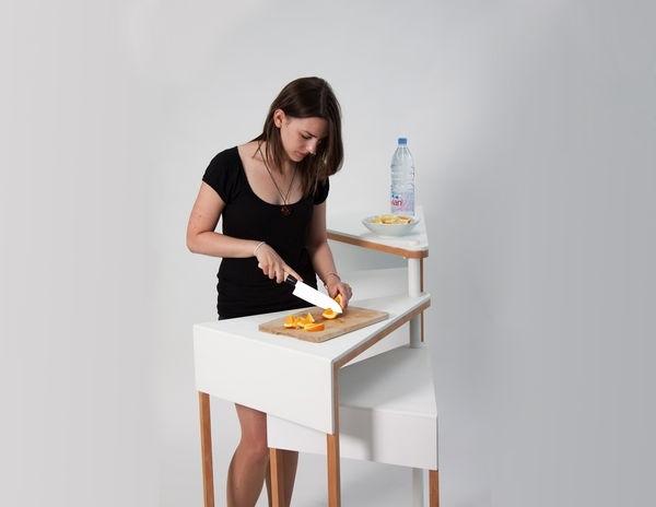 25570227 105703 โต๊ะจิ๋ว..ประหยัดพื้นที่ เปลี่ยนหน้าที่ตามระดับความสูง