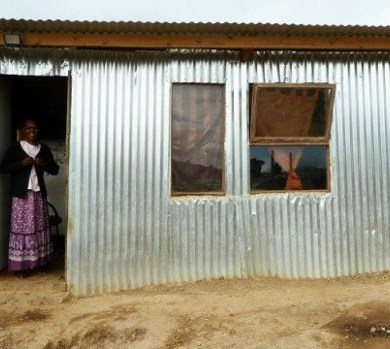 """""""iShack"""" โครงการปรับปรุงที่อยู่อาศัยให้เกิดพลังงานหมุนเวียนแบบยั่งยืน 14 - Africa"""