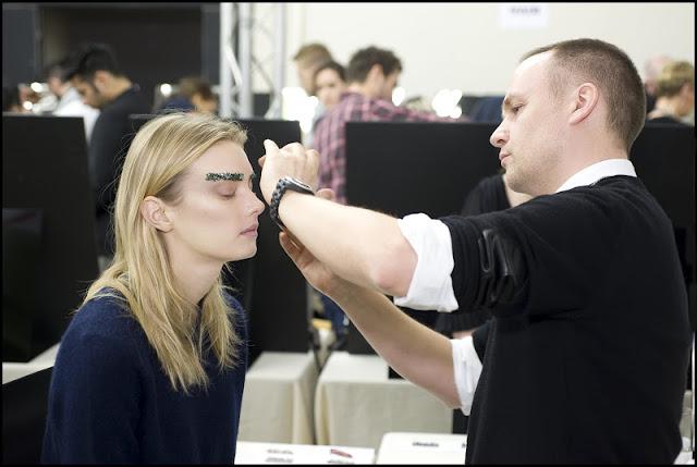 2012 13 FW RTW 04 คิ้วสติ๊กเกอร์จากลูกปัด คริสตัล เลื่อมแพรวพราว และไหมชั้นดี จากแบรนด์  Chanel