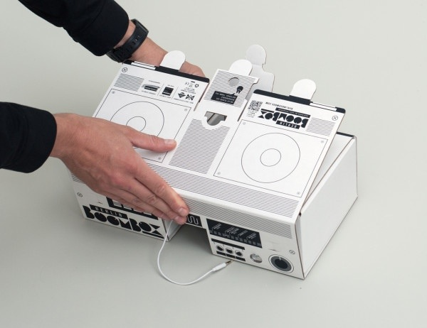 25570303 194948 ลำโพงสมาร์ทโฟน จากกระดาษกล่อง ในแบบ Boombox ของยุค80