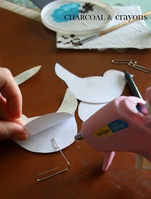 Glue gun legs DIY นกตั้งโต๊ะ จากคลิปหนีบกระดาษ