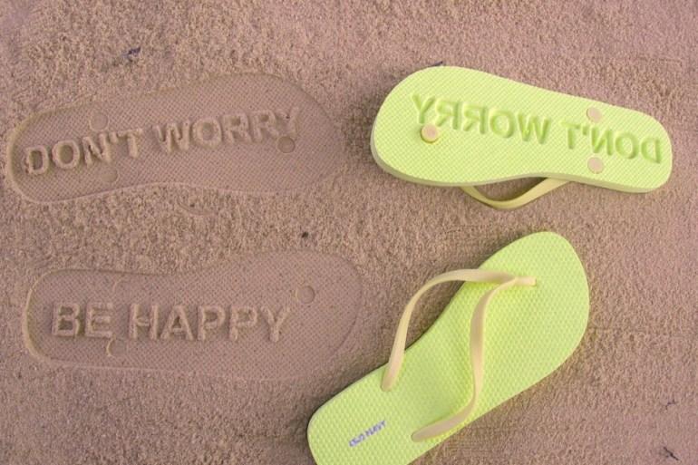 ฝากไว้บนผืนทราย ด้วยรองเท้าแตะสุด Chic ที่ใครๆต้องเหลียวมอง 15 - หาดทราย