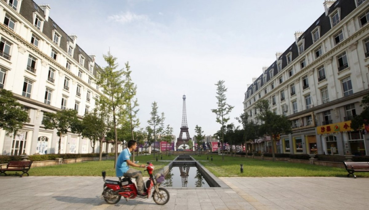 tianducheng a paris replica began to be developed in china in 2007 Little Paris in Hangzhou,China ปารีส รกร้างในเมืองจีน