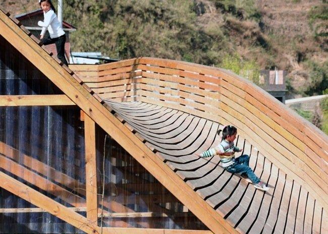 ห้องสมุดชุมชนในยูนาน ที่หลังคาเป็นสนามเด็กเล่น 27 - INSPIRATION