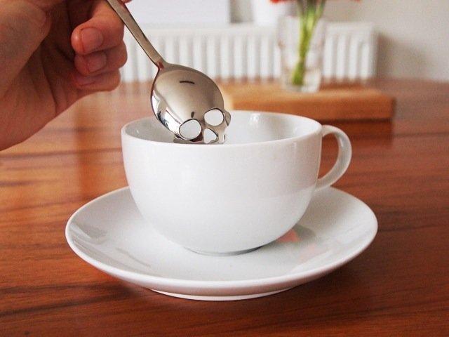 25570430 095309 ช้อนตักน้ำตาลรูปหัวกะโหลก..เพื่อให้กินน้ำตาลน้อยลง สุขภาพดีขึ้น