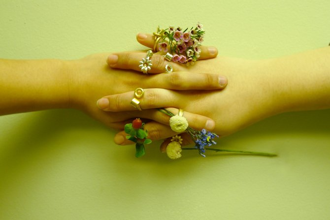 7 Blooming Jewelry, Spring rings by Gahee Kang