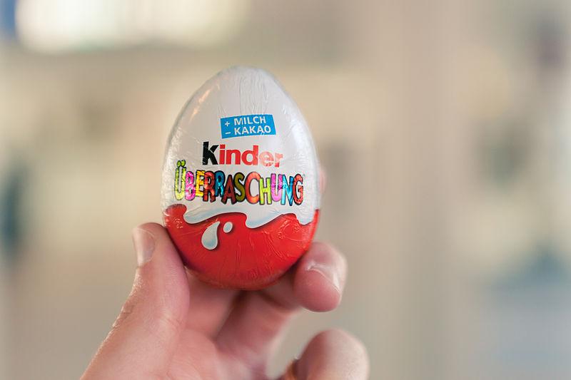 Kinder Uberraschung Kinder Surprise ขนมรูปไข่คินเนอร์ เซอร์ไพรช์ ละลายในอากาศร้อน ไม่ละลายในอากาศหนาว
