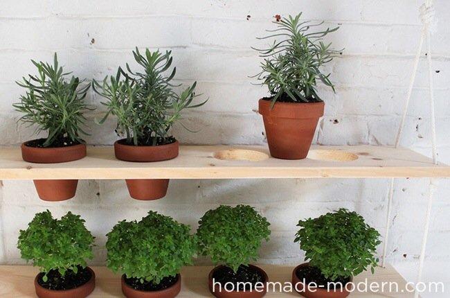 20140510 121618 DIY สวนผักแนวตั้งจากไม้ กระถาง และเชือก