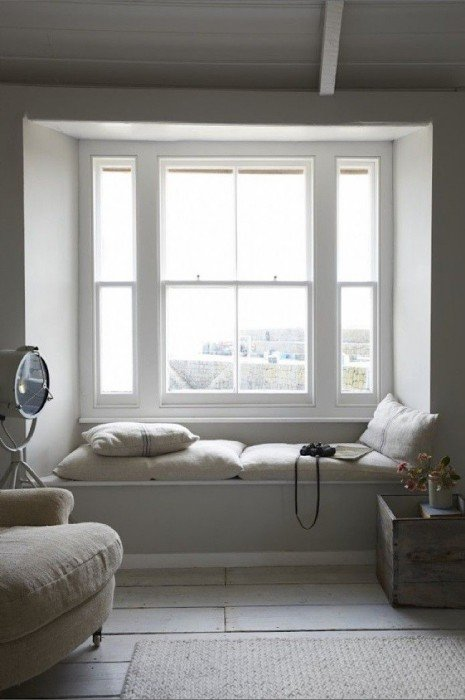 25570511 171442 เลือกประตูหน้าต่างอย่างไร ให้เข้ากับบ้านสมัยใหม่