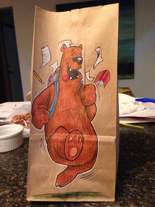 20140620 201919 73159322 ยอดคุณพ่อนักวาด.. วาดภาพการ์ตูนบนถุงอาหารกลางวันของลูกชายทุกวันตลอด2ปี
