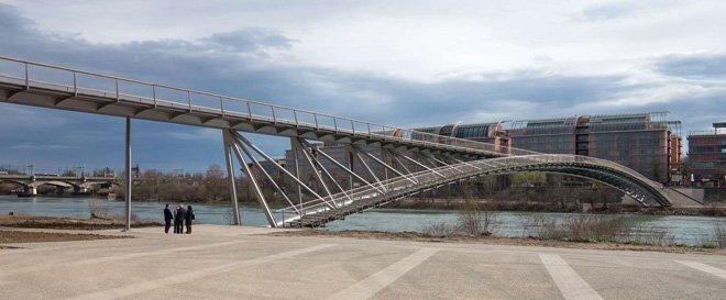 2 dietmar feichtinger completes the peace footbridge in lyon The Peace Footbridge  สะพานเดินเท้าและขี่จักรยานข้ามแม่น้ำโรน