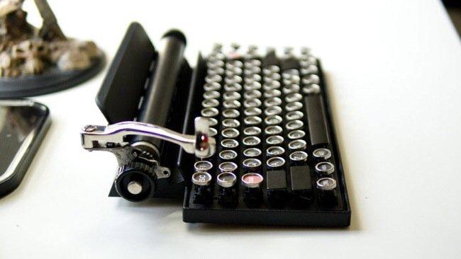 20140706 230006 82806783 USB keyboard ที่จะทำให้การพิมพ์คอมพิวเตอร์ หรือแท็ปเล็ต ได้อารมณ์แบบใช้เครื่องพิมพ์ดีด