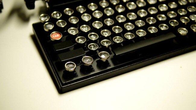 20140706 230006 82806888 USB keyboard ที่จะทำให้การพิมพ์คอมพิวเตอร์ หรือแท็ปเล็ต ได้อารมณ์แบบใช้เครื่องพิมพ์ดีด