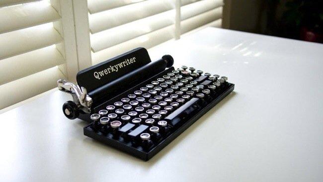 20140706 230007 82807045 USB keyboard ที่จะทำให้การพิมพ์คอมพิวเตอร์ หรือแท็ปเล็ต ได้อารมณ์แบบใช้เครื่องพิมพ์ดีด