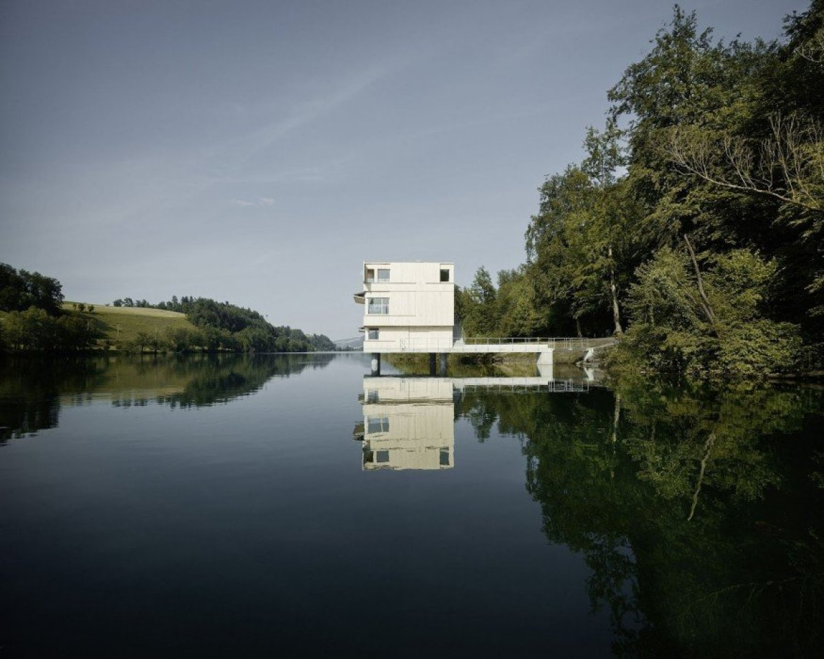 AFGH architekten . Lake Rotsee Refuge . Lucerne 5 Andreas Fuhrimann Gabrielle Hächler สถานที่สำหรับงานแข่งเรือ