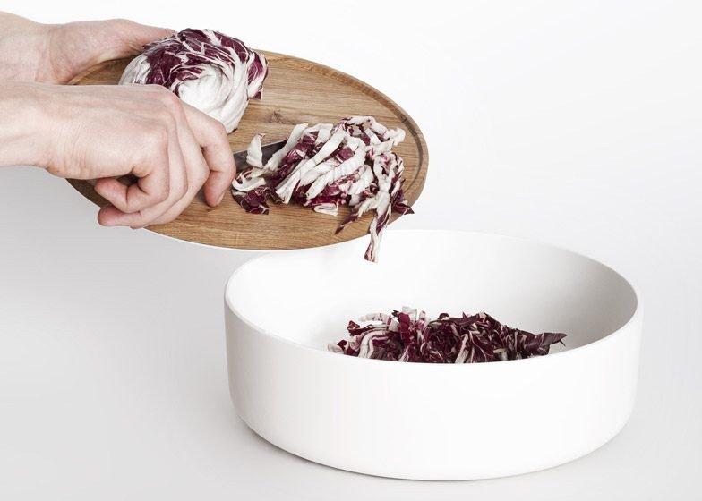 IMG 4362 โต๊ะเรียบๆใช้ประโยชน์ได้หลายอย่าง และเปลี่ยนเป็นครัวได้ง่ายๆ
