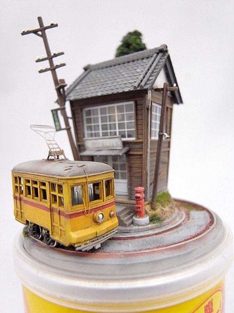 RIMG0012 Miniature Worlds from everyday objects โลกใบน้อย บนสิ่งของ