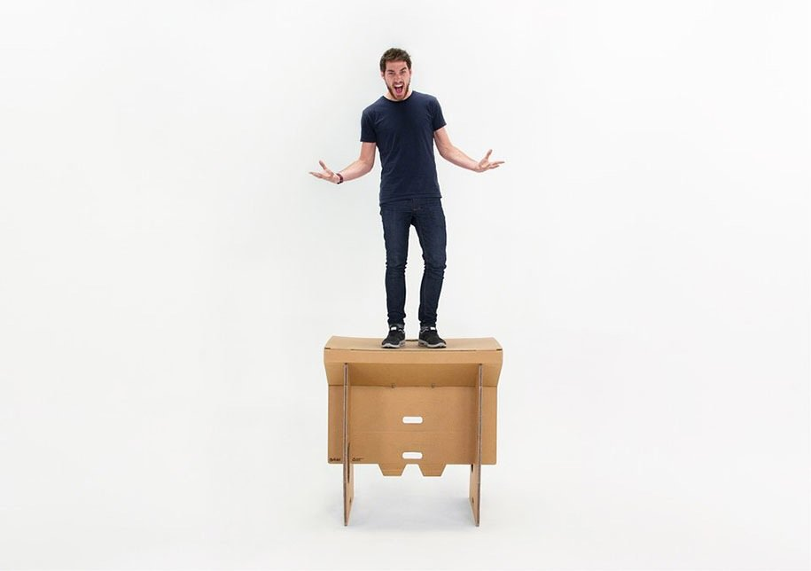 IMG 6404 Cardboard Desk..โต๊ะจากกล่องกระดาษ 100%รีไซเคิล