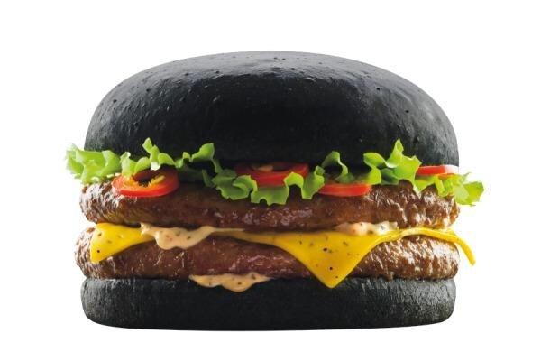 IMG 6423 Black Burger.. เบอร์เกอร์ สีดำ เทรนที่กำลังมาแรงในญี่ปุ่น