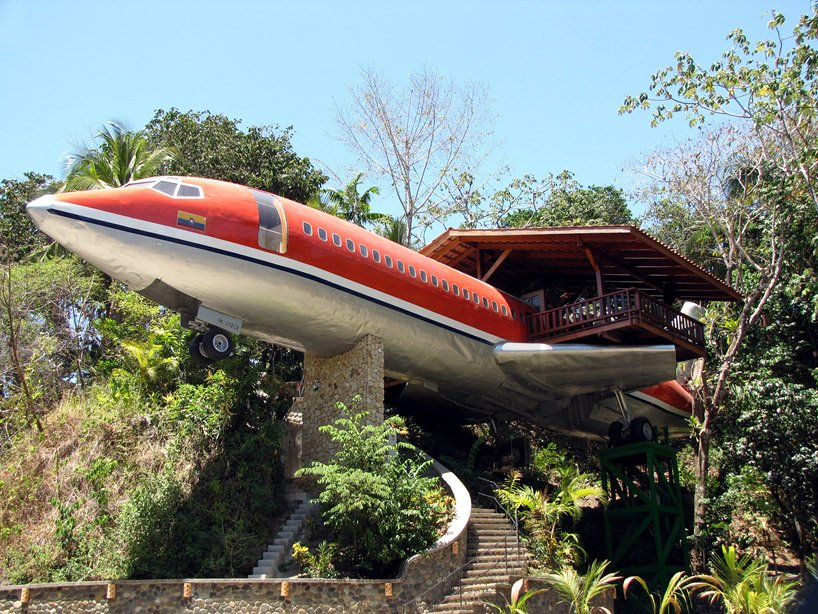 boeing 727 is transformed into hotel suite in costa rican designboom 01 Boeing 727 Hotel