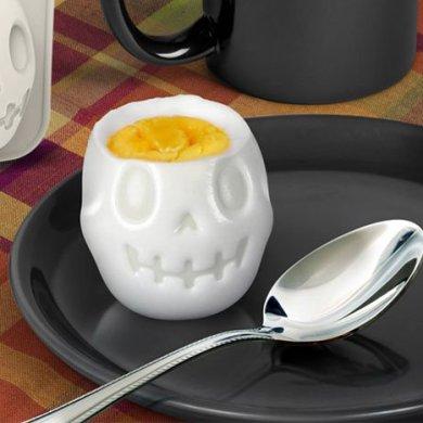 Turn Eggs Into Skulls For Halloween Breakfast เมนูไข่สำหรับเช้าวันฮาโลวีน 15 - Boiled Egg