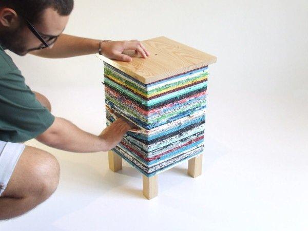 IMG 7577 เปลี่ยนเก้าอี้ไม้ธรรมดาๆ เป็นโต๊ะเข้ามุมสีสันสดใส ด้วยถุงพลาสติกถักโครเชต์