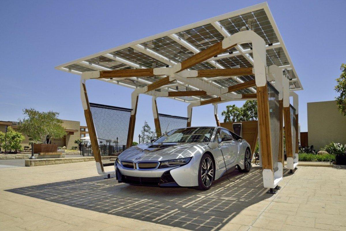 bmw designworksusa solar carport concept 100466359 h I SOLAR CARPORT ที่จอดรถชาร์จไฟด้วยพลังงานแสงอาทิตย์