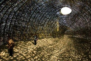 Sandworm ศิลปะจากการทักทอด้วยต้นตะไคร้บก 4 - Architecture