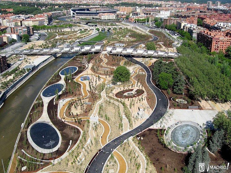 p de perrault y playa Madrid Rio Project ปรับปรุงพื้นใหม่ให้เป็นพื้นที่สีเขียวกับวิถีที่ยั่งยืน