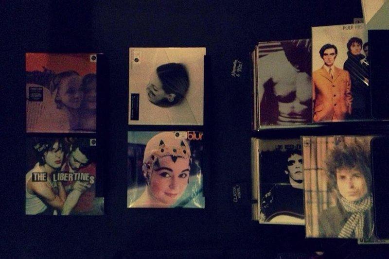 10394771 679326285471100 6989862133701026210 n 1979 Vinyl & Unknown Pleasures พื้นที่สำหรับผู้รักในเสียงเพลงจากแผ่นไวนิล