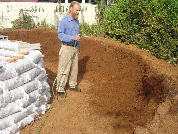 สร้างบ้านเอง Hobbit House บ้านดิน DIY ง่ายๆด้วยตัวเอง งบไม่เกินหมื่น 19 - clay house