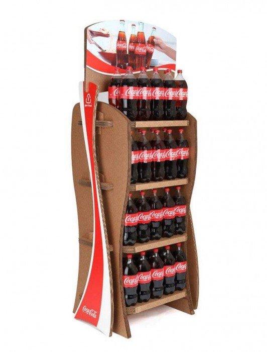 Coca-Cola's Green Marketing : ชั้นดิสเพลย์สินค้าจากกล่องใช้แล้ว 13 - Coca-Cola