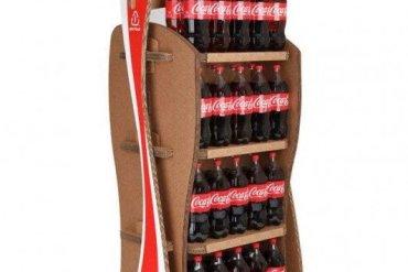Coca-Cola's Green Marketing : ชั้นดิสเพลย์สินค้าจากกล่องใช้แล้ว 14 - Coca-Cola