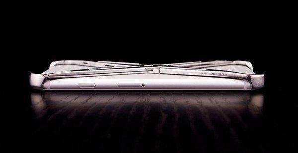 eXo iPhone case.. แรงบันดาลใจจากระบบโครงกระดูก รับแรงกระแทกได้อย่างง่ายๆ 15 - Art & Design