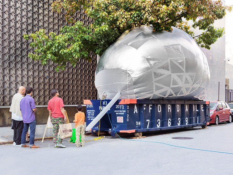 inflatable-classroom-NYC-dumpster-designboom-01