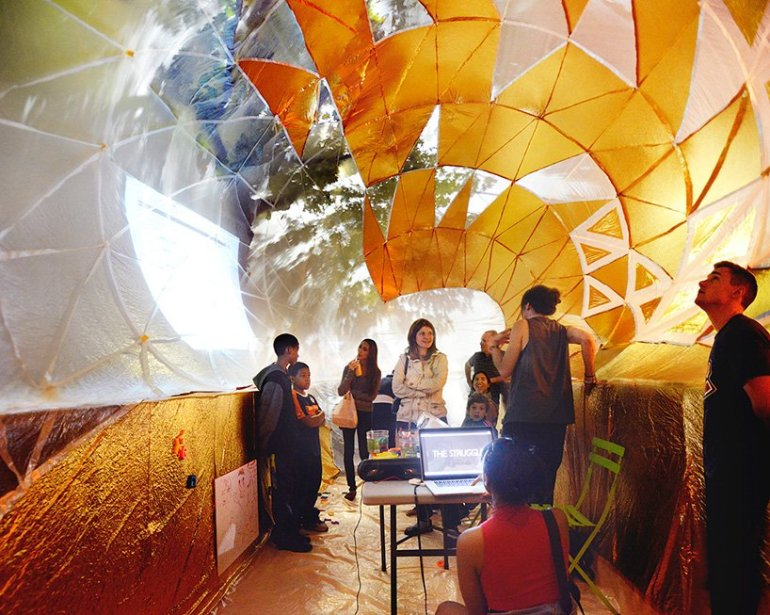 Classroom For Urban Education ถังขยะเหล็กขนาดใหญ่ในพื้นที่สาธารณะกลายเป็นห้องเรียนในเมือง 13 - Architecture