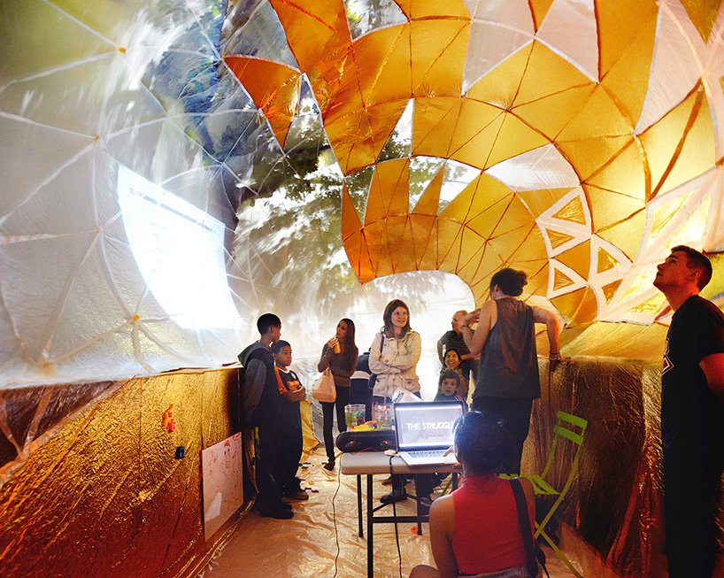 inflatable-classroom-NYC-dumpster-designboom-11