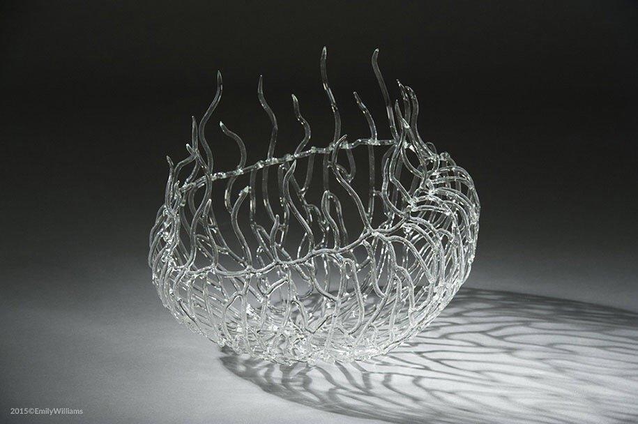 เมื่อน้ำกับไฟ กลายเป็นประติมากรรมแก้ว อันงดงาม 15 - Glass