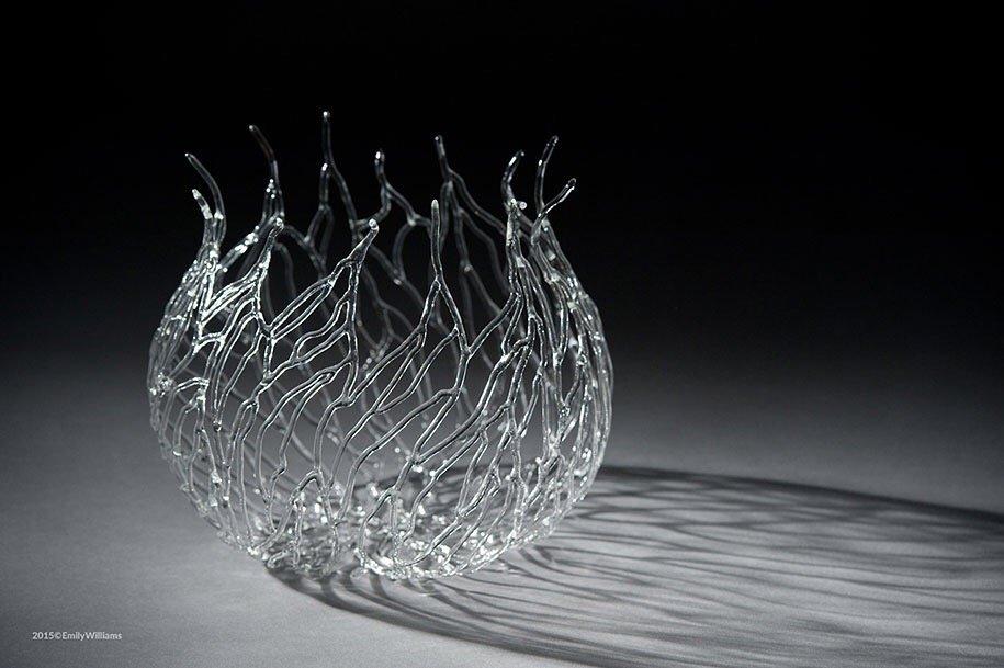 เมื่อน้ำกับไฟ กลายเป็นประติมากรรมแก้ว อันงดงาม 21 - Glass
