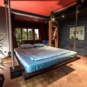 เตียงรีโมทคอนโทล..แขวนด้วยเชือก เก็บติดฝ้าเพดาน จะนอนก็สั่งเลื่อนลงมา 24 - bed