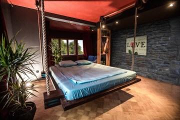 เตียงรีโมทคอนโทล..แขวนด้วยเชือก เก็บติดฝ้าเพดาน จะนอนก็สั่งเลื่อนลงมา 2 - hammock