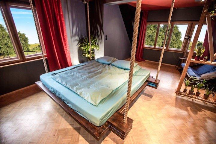 เตียงรีโมทคอนโทล..แขวนด้วยเชือก เก็บติดฝ้าเพดาน จะนอนก็สั่งเลื่อนลงมา 15 - bed