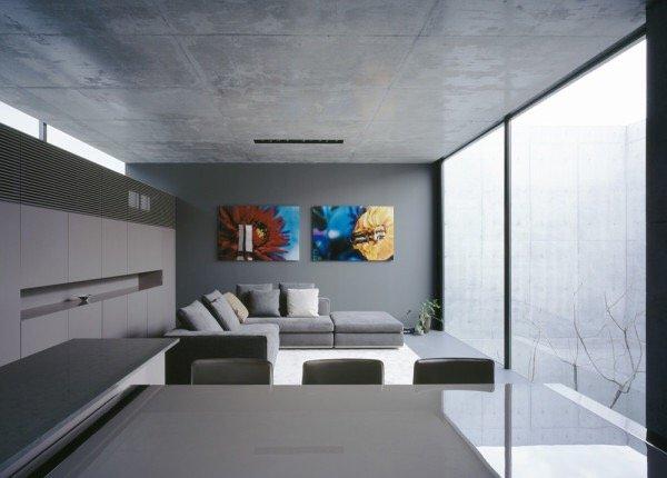 บ้านคอนกรีต สีเทาเรียบง่าย ที่ทำให้งานศิลปะโดดเด่น งดงาม 13 - Japan