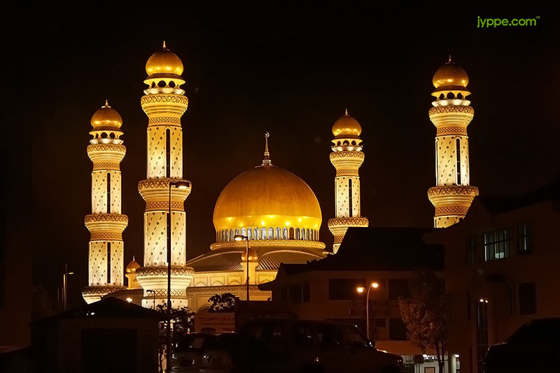 James-Asr-Hassanil-Bolkiah-Mosque-Brunei