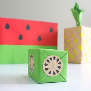 DIY: เปลี่ยนกล่องของขวัญธรรมดาให้หน้าตาเหมือนผลไม้ 17 - กระดาษ