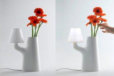 แจกันโคมไฟ...ใช้การสัมผัสดอกไม้ เป็นสวิตช์เปิด-ปิด 18 - vase