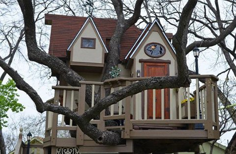 Fabulous Tree House 4 บ้านต้นไม้ในฝันของเด็กๆ หลายคน ลุงป้าสร้างอย่างสุดพลังเพื่อหลาน อลังการอย่างกับสวนสนุก