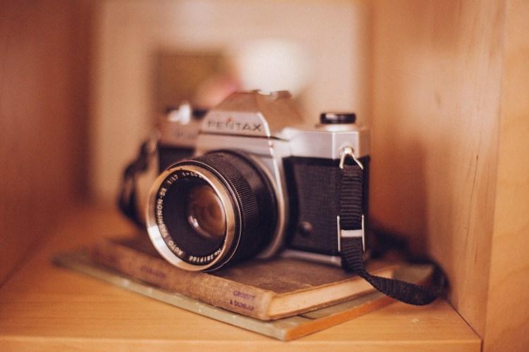 camera 349948 1920 750x500 10 ไอเทมวินเทจสุดฮิป ที่ยังฮิตใช้กันถึงปัจจุบัน